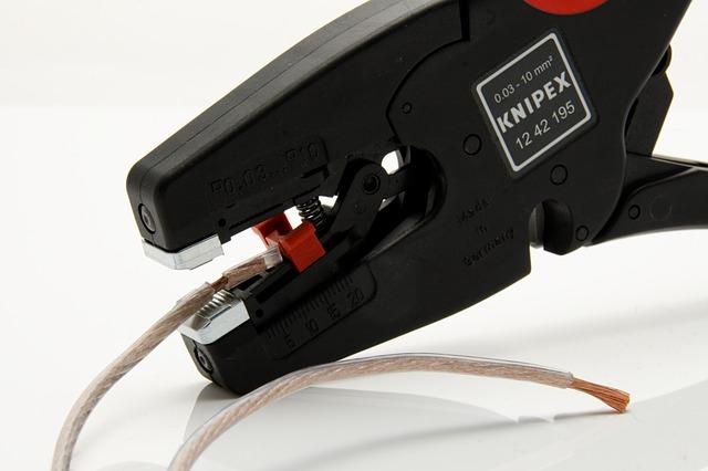 Krimpelő fogó villanyszerelőknek
